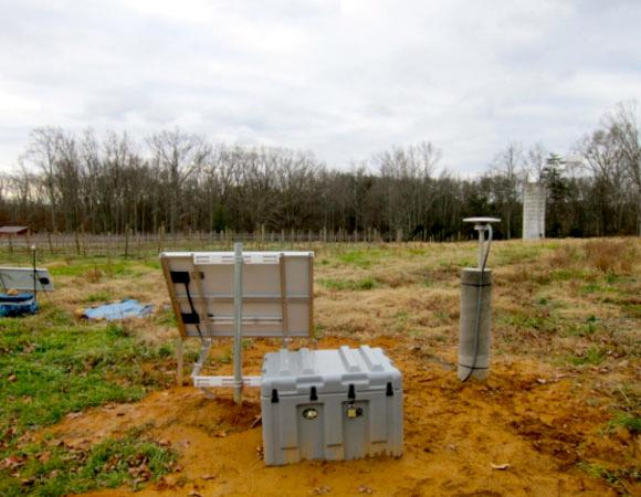 Final site photo of VA01 (RAMP seismic station in the left side of the picture).