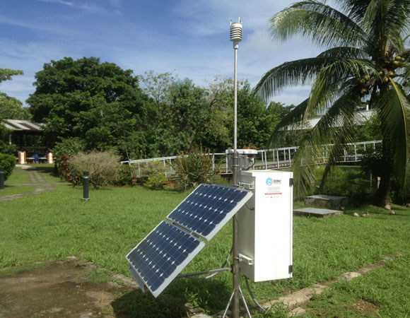 GPS site CN20 in the Smithsonian Tropical Research Institute on Bocas Del Toro Island, before site maintenance. The site resides on a very narrow strip of land, leaving it exposed to corrosive elements. Photo provided by Mike Fend.