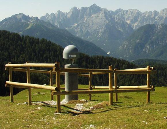 Istituto Nazionale di Oceanografia e di Geofisica Sperimentale (OGS) FReDNet GPS site ACOM in Udine, Italy. Photo: OGS.