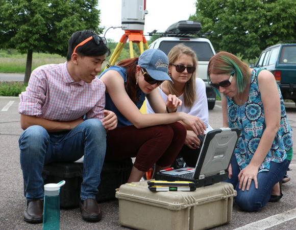 Geo-Launchpad interns learn about terrestrial laser scanning (TLS) the first week of their internship. (Photo/Benjamin Gross, UNAVCO)