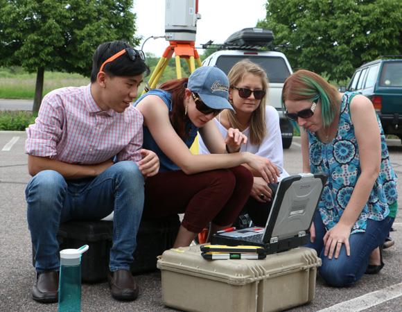 Geo-Launchpad interns learn about terrestrial laser scanning (TLS) the first week of their internship. (Photo/Benjamin Gross, UNAVCO)