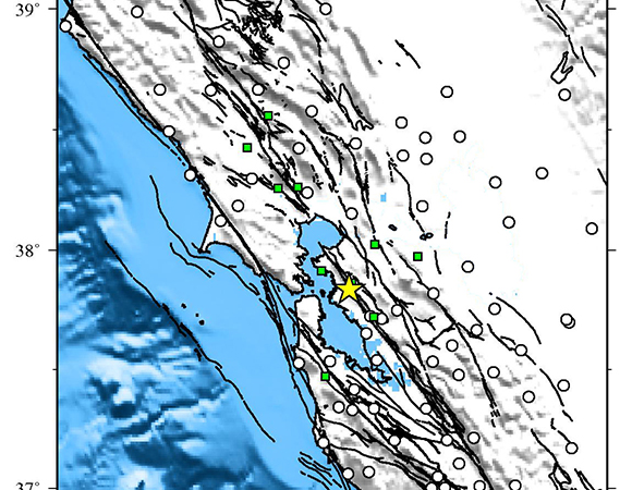 Map showing Plate Boundary Observatory continuous GPS stations near the epicenter (yellow star) of the 2015-08-17 Mw 4.0 earthquake 1km north of Piedmont, California. Downloaded stations are shown in green. (Figure by Christine Puskas, UNAVCO.)