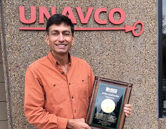 UNAVCO Project Manager John Galetzka received the 2016 John Wesley Powell Award, a national service award given by the U.S. Geological Survey (USGS).