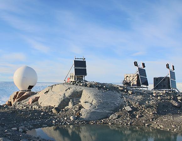 The radar system at Jakobshavn Glacier, Greenland. (Photo/Denise Holland)