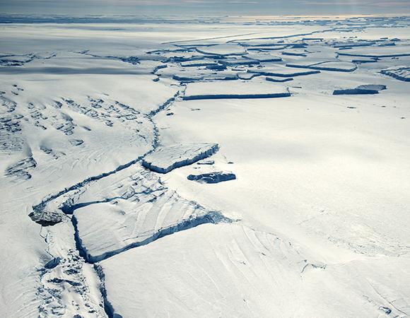 Thwaites Glacier terminal tongue. (Photo/Nicolas Bayou, UNAVCO)