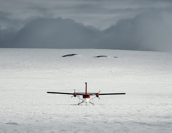 Twin Otter from Kenn Borek Air at Slater Rocks (SLTR). (Photo/Nicolas Bayou, UNAVCO)