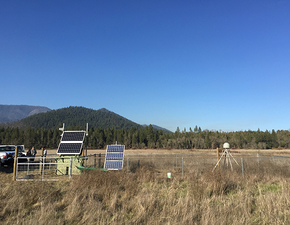 Overview of the completed site collocation at P191 in Siskiyou, Oregon. (Photo/Leland O\'Driscoll, PNSN)