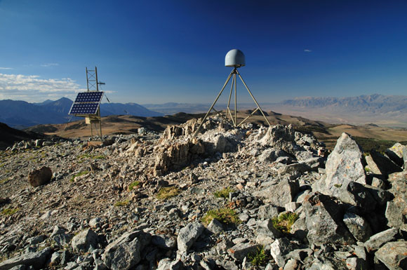 GPS station 311 in the Eastern Sierra Nevada, part of the National Science Foundation\'s Plate Boundary Observatory operated by UNAVCO. Credit: UNAVCO
